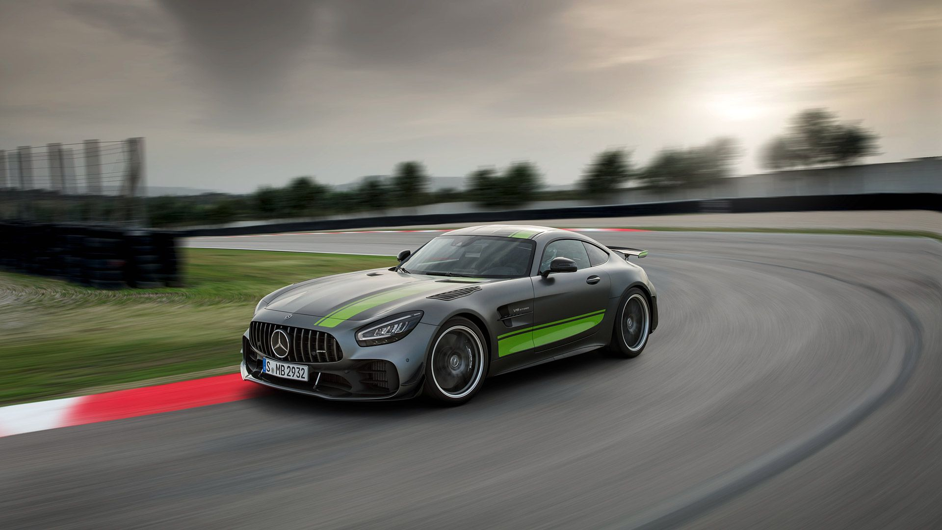 2020 Mercedes Amg Gt R Pro With Images Mercedes Amg Gt R