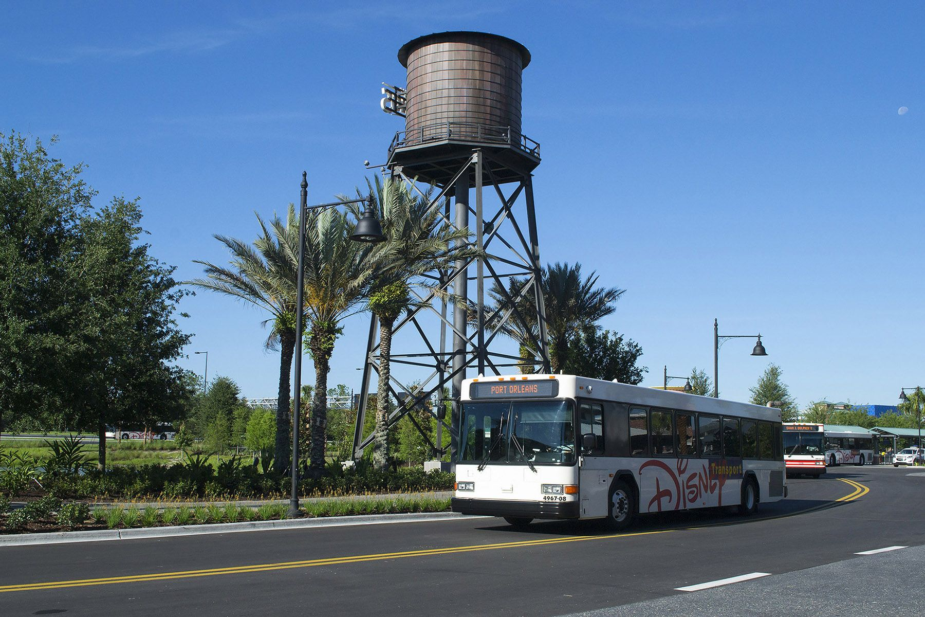 Disney free buses