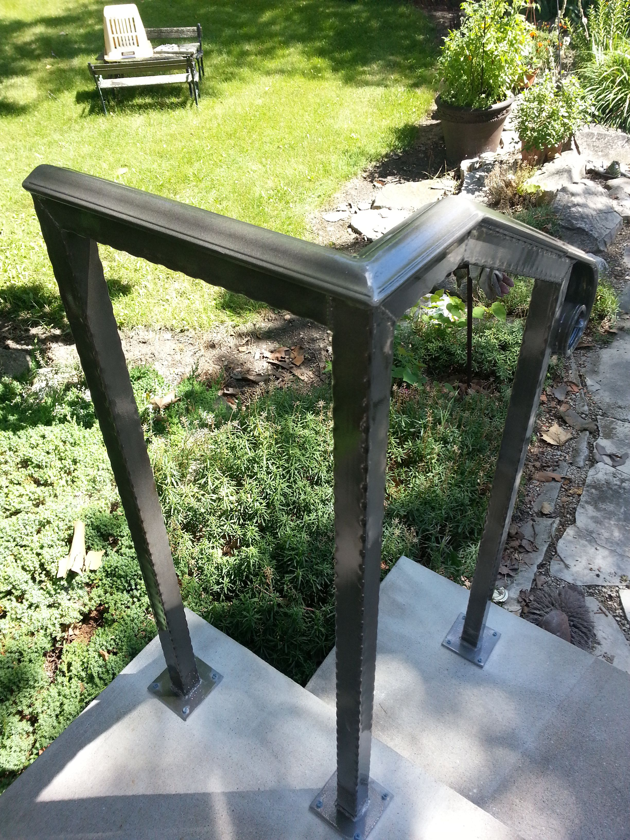 Stunning Exterior Metal Handrails Ideas - Amazing House Decorating ...