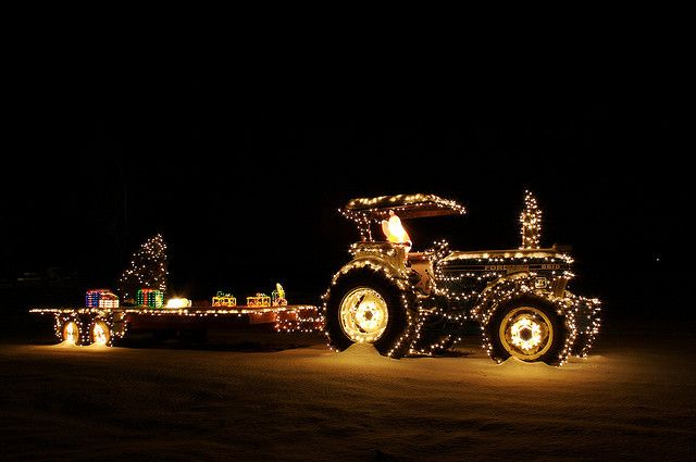 Christmas Tractor   Flickr - Photo Sharing!   Christmas parade floats, Christmas cards photography, Christmas parade