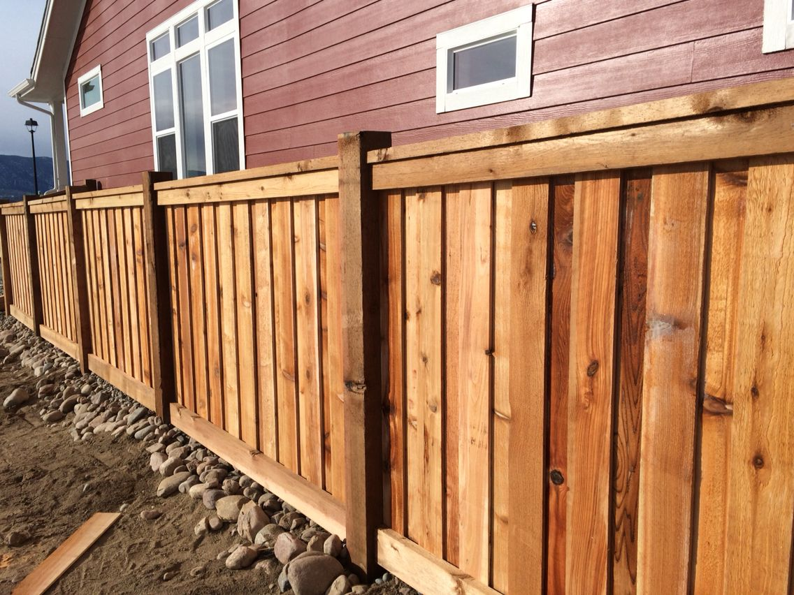 Custom Cedar Wood Fence With 6x6 Posts 6 Overlapping Pickets 2x4 Top Cap And Fascia And 2x6 Bottom Fascia Www Col Cedar Wood Fence Wooden Fence Fence Styles