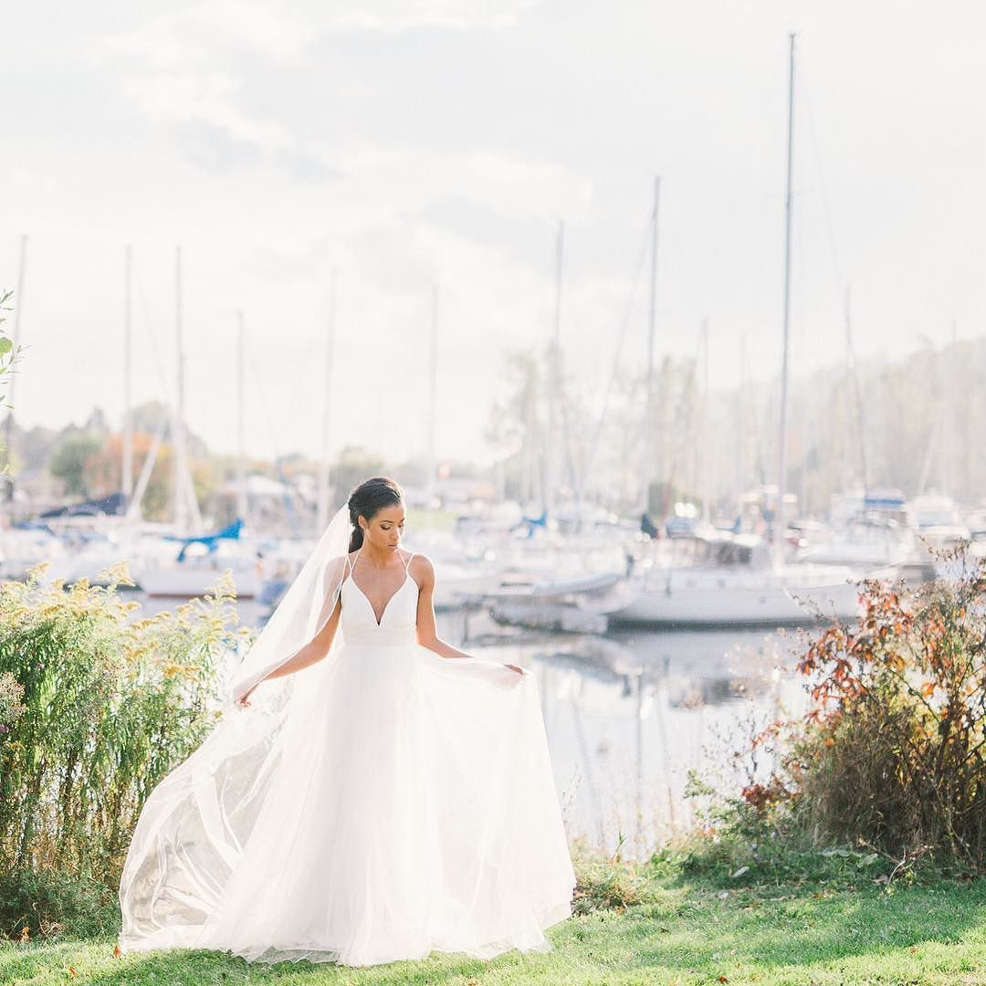 great vancouver wedding Every season is beautiful, we might miss warmer summer days ☀️we an look forward all the good tidings winter brings ❄️ by @juliaparkphoto  #vancouverwedding #vancouverwedding