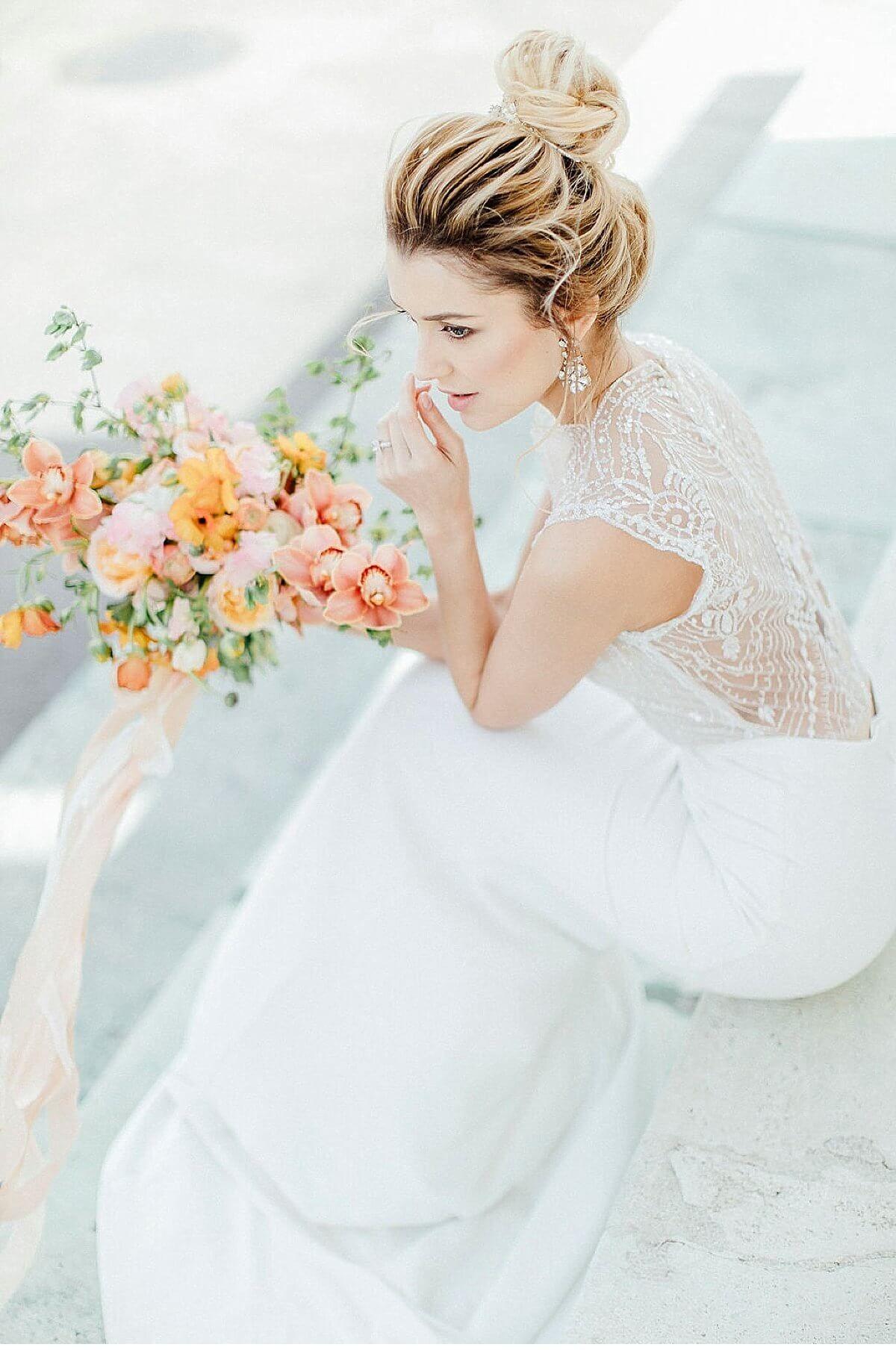 Moderne Hochzeitsinspirationen In Wien Von Magnolias On Silk Und Anja Schneemann Hochzeitsguide Hochzeitsinspirationen Frisuren Mit Schleier Braut Portraits