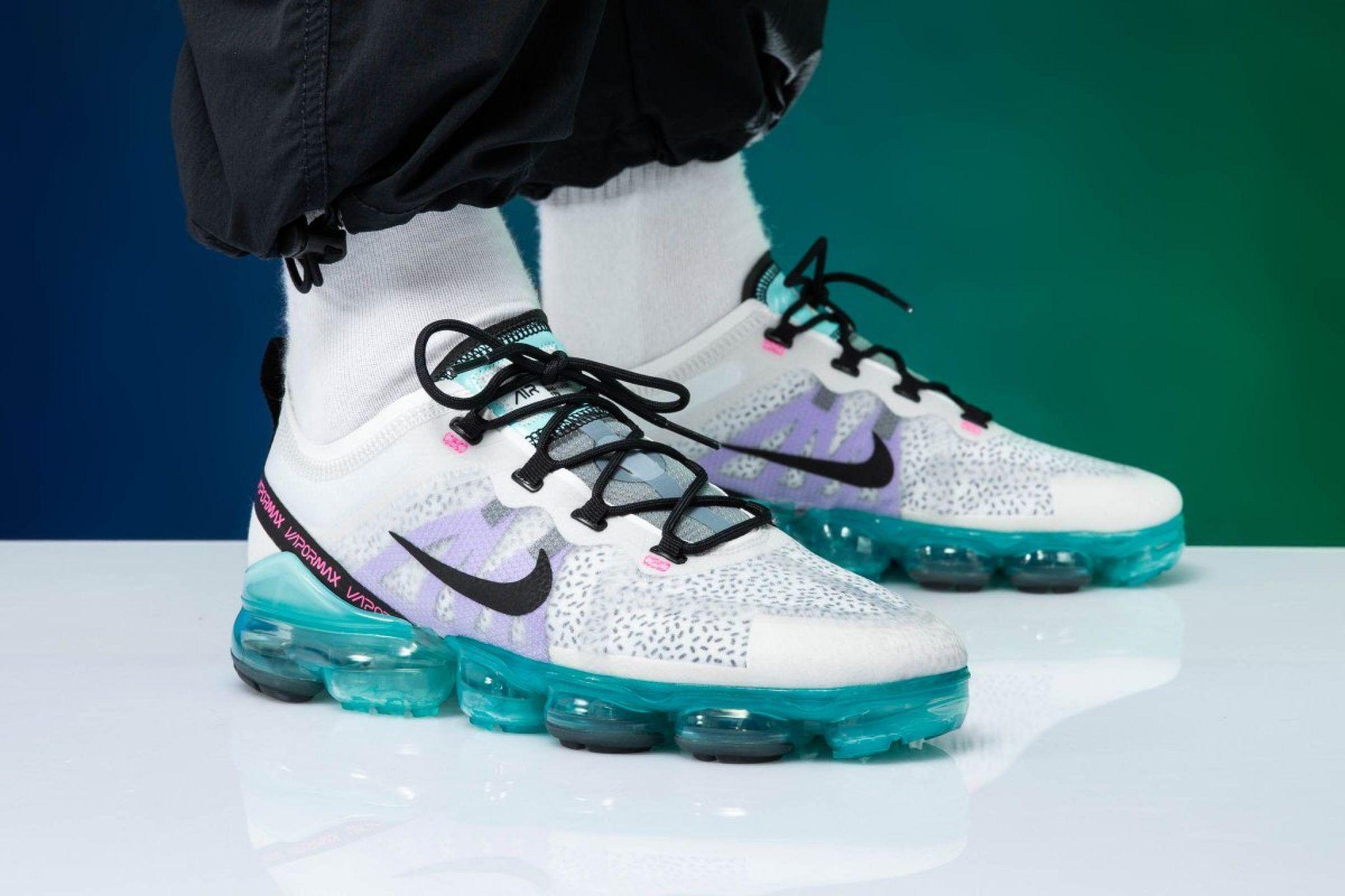 "Nike VaporMax 19 ""Dragon Fruit"" - Kicks"