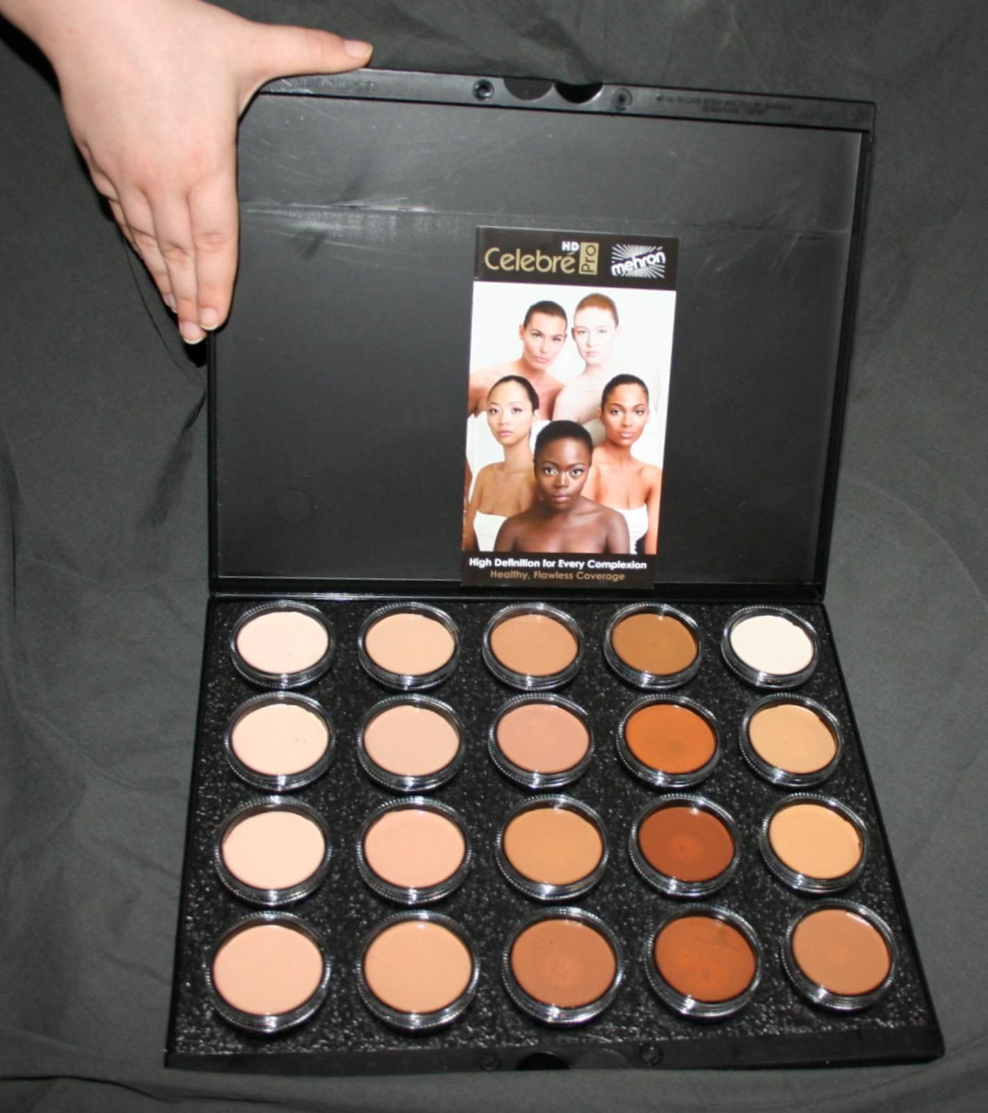 20 Color Palette Celebre HD Pro Artist Makeup Mehron face