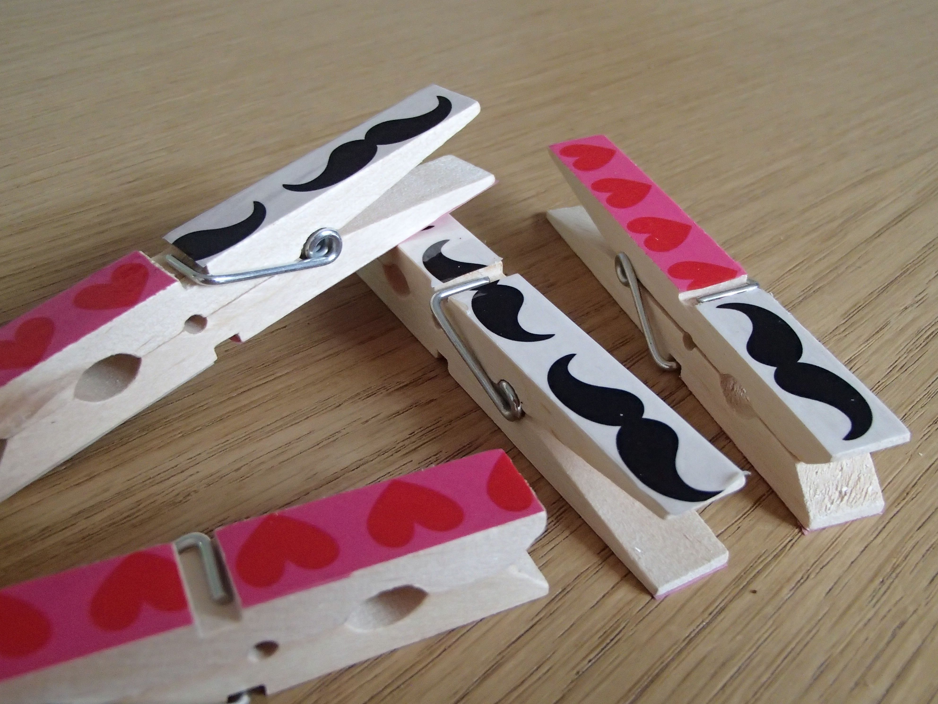 DIY Moustache and hearts on clothespins - by archiLAURA