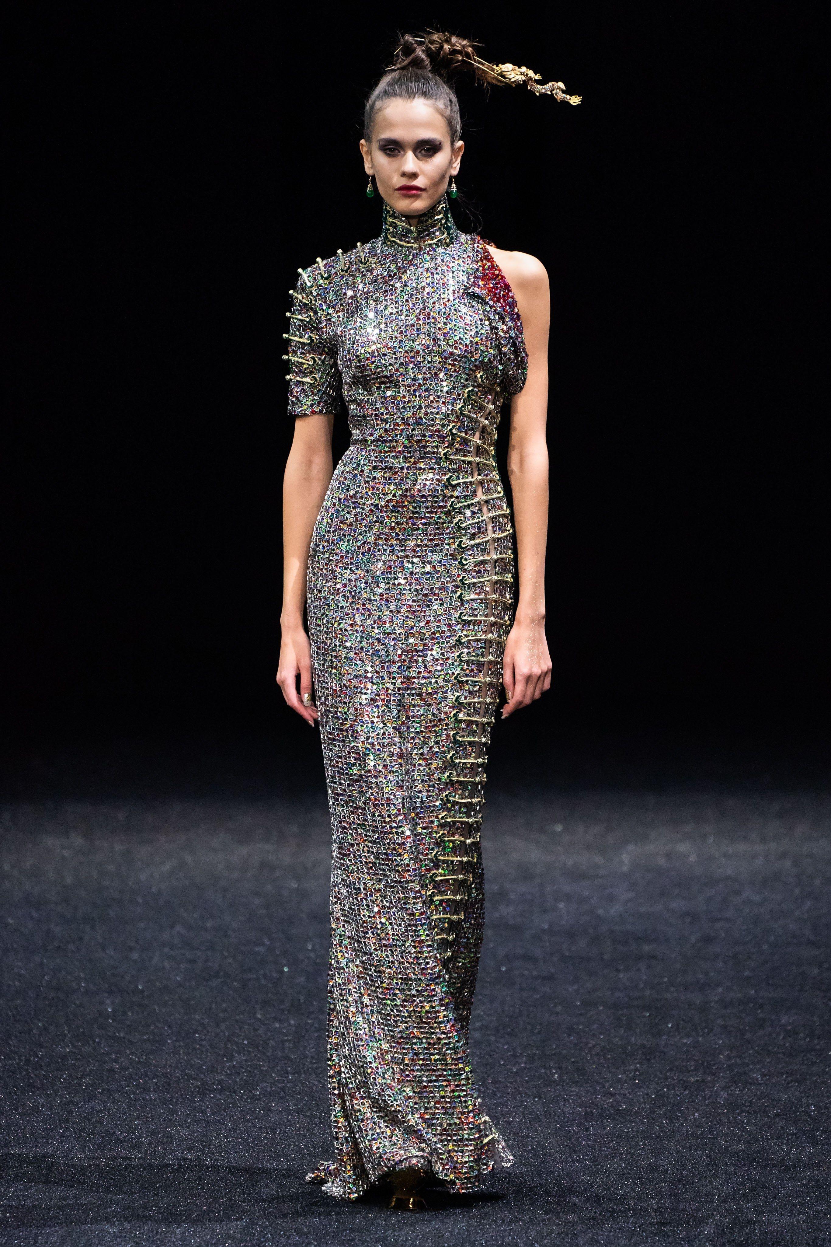 Guo Pei Spring 2019 Couture Fashion Show  Fashion Couture collection  Couture fashion