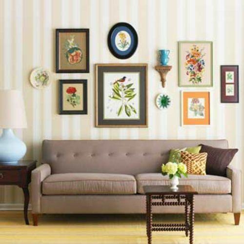 coole wohnzimmer einrichten sofa braun bilder gestreift wand
