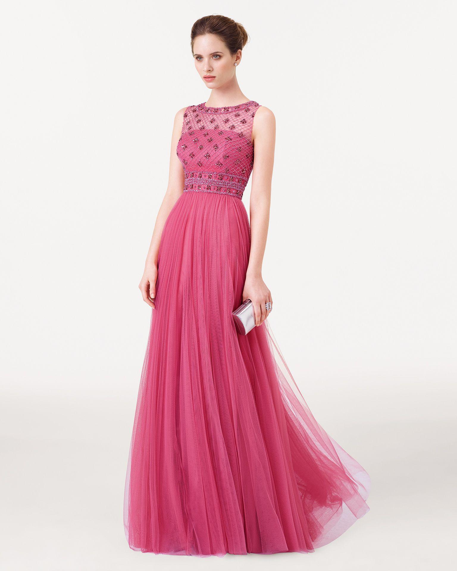 Vestido y chal de tul sedoso bordado y pedrería Color esmeralda ...