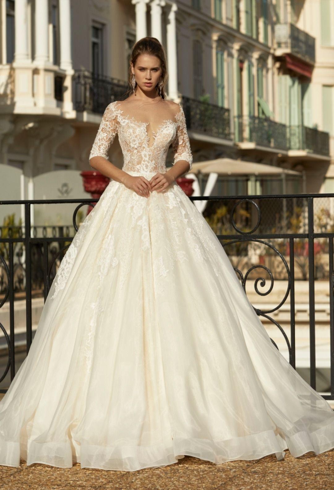 Brautkleid in 12  Brautkleid, Hochzeitskleid, Ballkleid