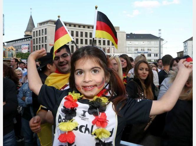 Die Fußball-WM in Kassel: Wie die Fans feiern.