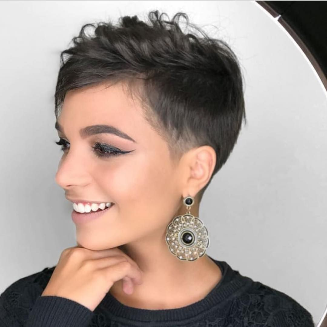 stylish feminine pixie haircuts short hair styles for