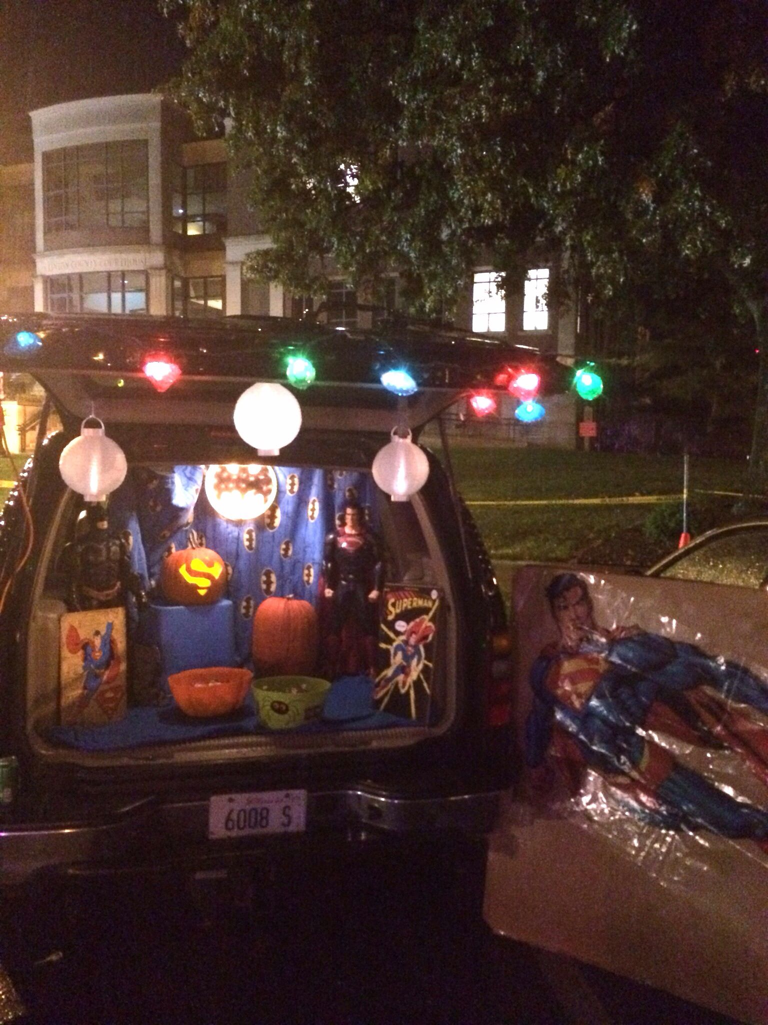 Superhero Trunk or Treat - will need to modify for marvel, but ...