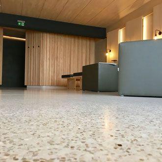 die besten 25 betonboden schleifen ideen auf pinterest epoxid garagenbodenfarbe garagenb de. Black Bedroom Furniture Sets. Home Design Ideas