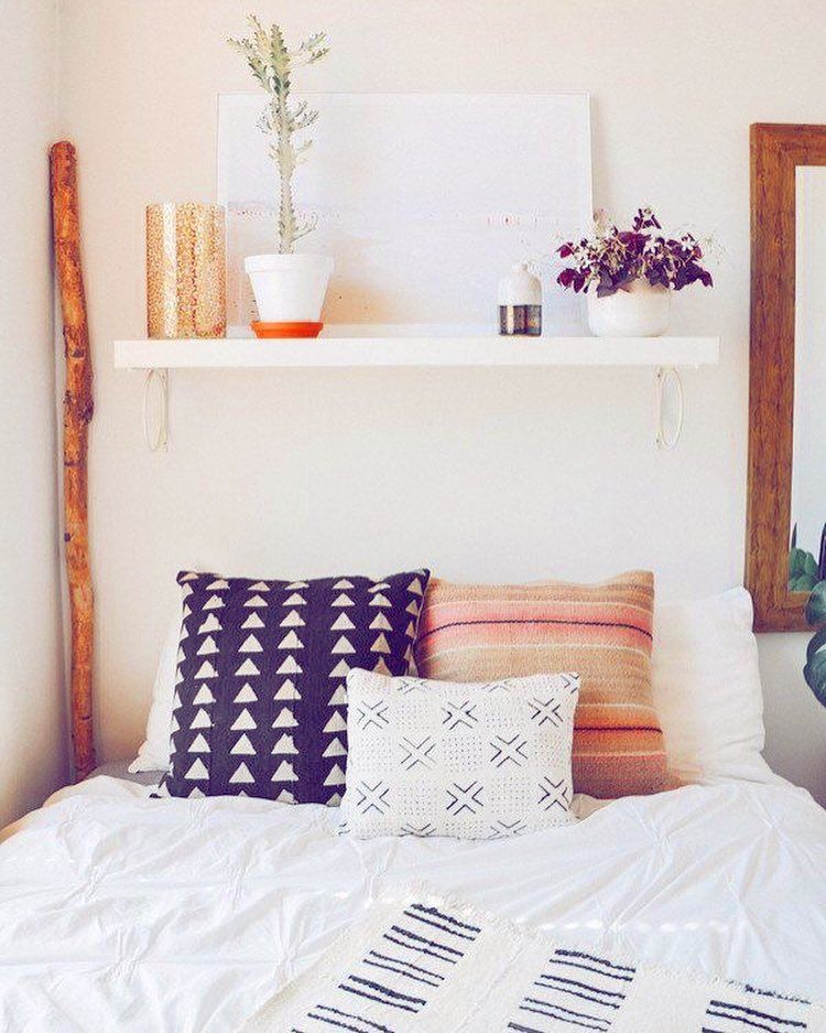 Bom dia gente 💜😱💜  Que tal esse caminha super aconchegante? Adorei o espaço e todos os detalhes da composição!!  www.diycore.com.br  #quarto #aconchego #architecture #madeira #diy #decor #decoração #decoration #decoracion #decorating #cama #bedroom #furniture #homedecor #homesweethome #homemade #homestyle #home #homedesign #instalove #instaphoto #instapic #instagood #instalike #instamood #instadecor #instadesign #colour #planta