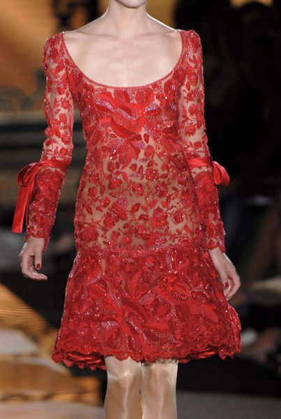 2006 Valentino Fall Couture. Model Lindsay Ellingson