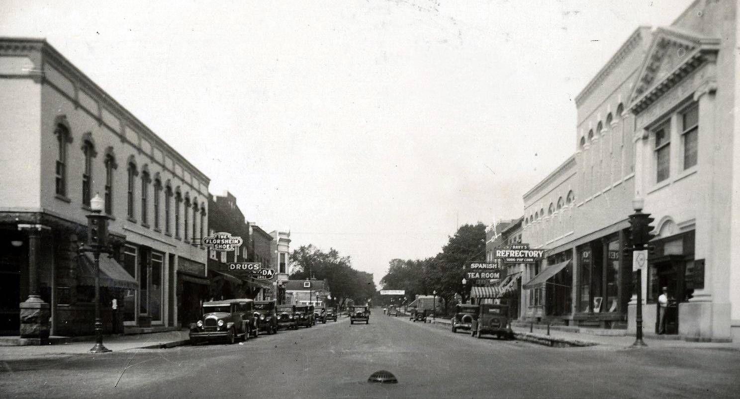 Images Naperville Through The Years Retro Gallery Naperville Naperville Illinois Jefferson Street