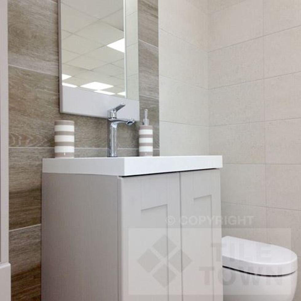 Quo White Darwin Bathroom Wall Tiles supplied by Tile Town ...