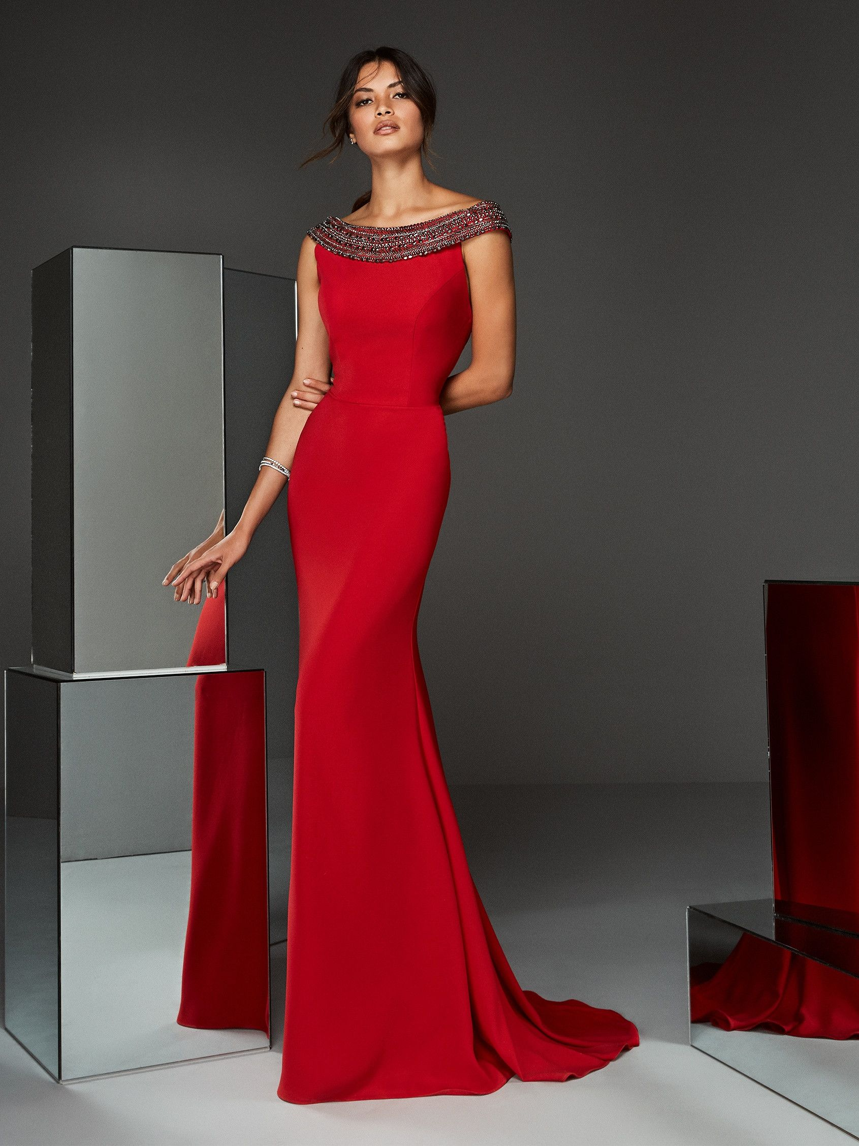 Langes Abendkleid im Meerjungfrau-Stil in Rot mit