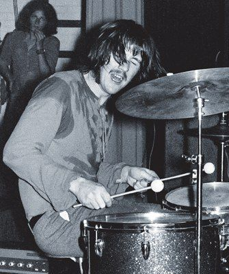 The 10 Heaviest Drummers Of All Time Drummer Drum And Bass