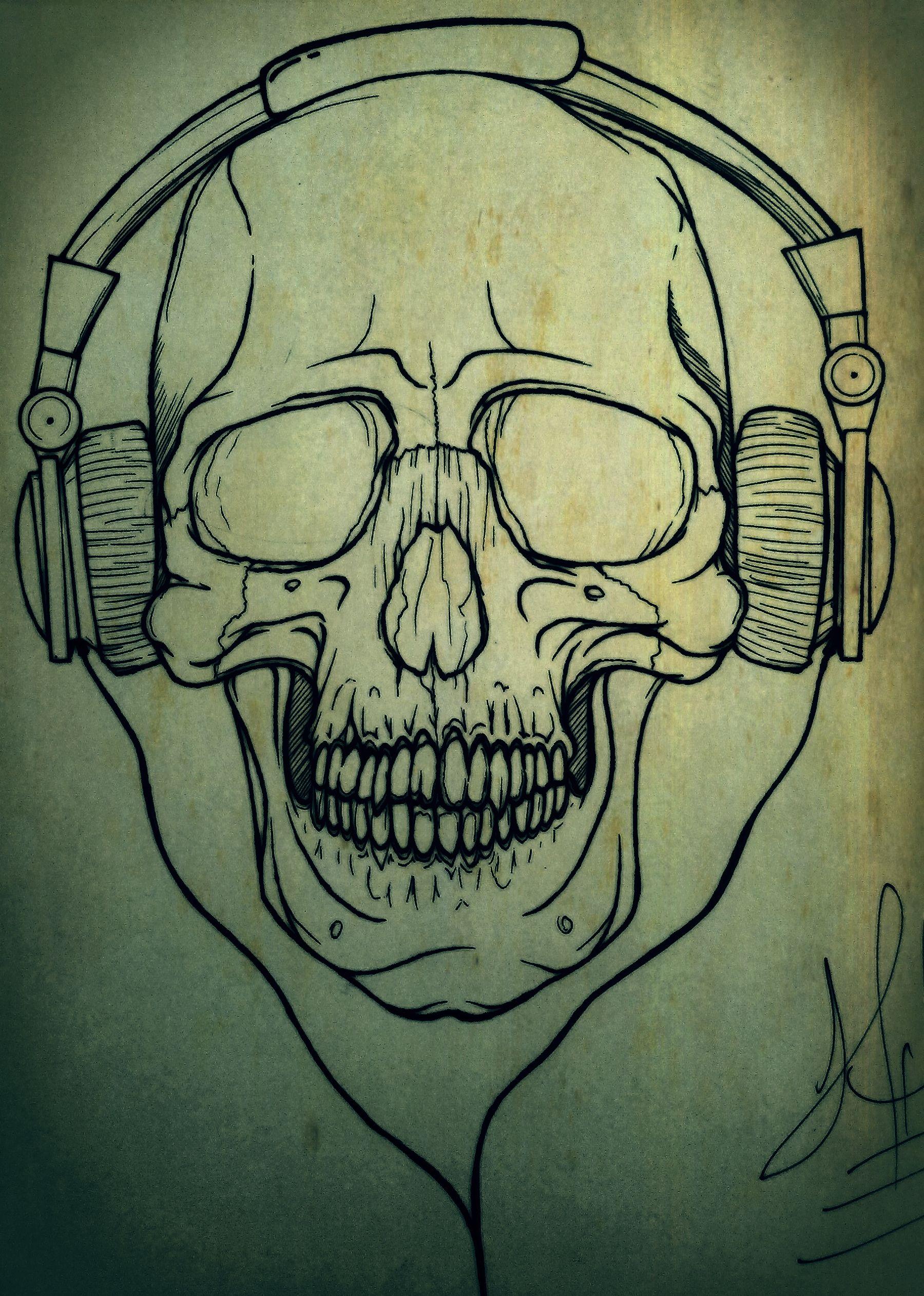craneo humano con audifonos | arte | Pinterest | Cráneo humano ...