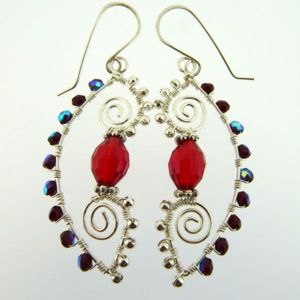 Arabesque wire earrings | JewelryLessons.com