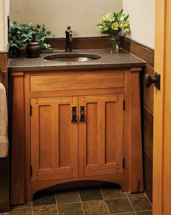 Waschbeckenschrank Aus Holz Elegantes Mobelstuck Im Bad