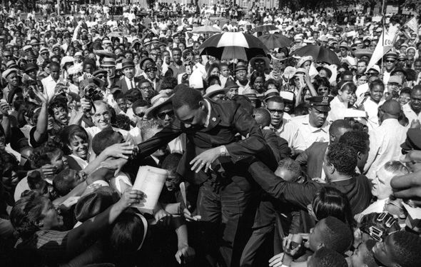 The Crowd Roars For Martin Luther King Jr After Giving A Speech Martin Was One Of The First A Martin Luther King Jr Dr Martin Luther King Martin Luther King