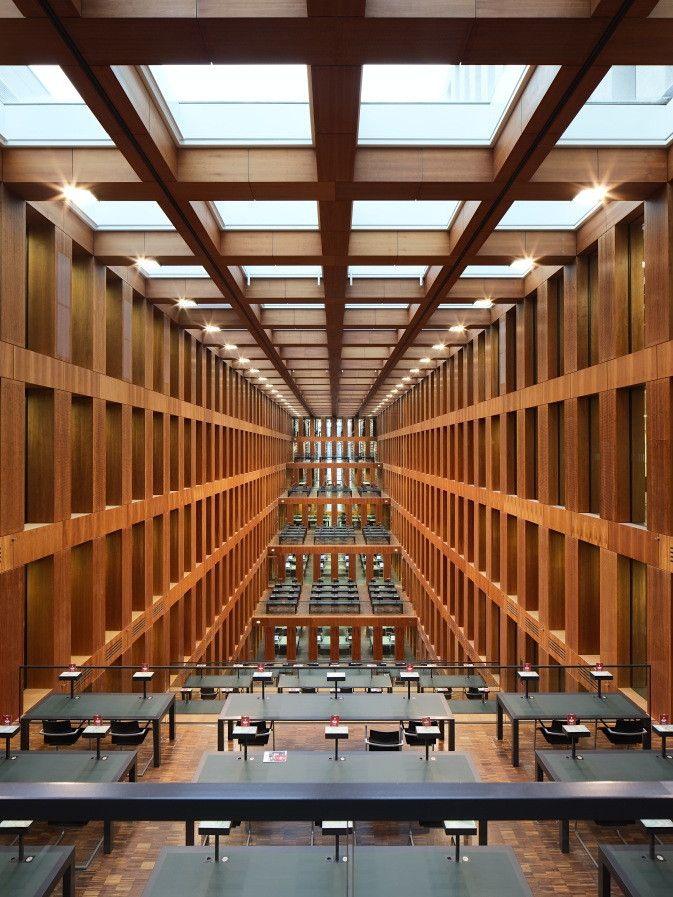 Zentralbibliothek der Universitätsbibliothek (UB) der Humboldt-Uni by Matthias Grauwinkel