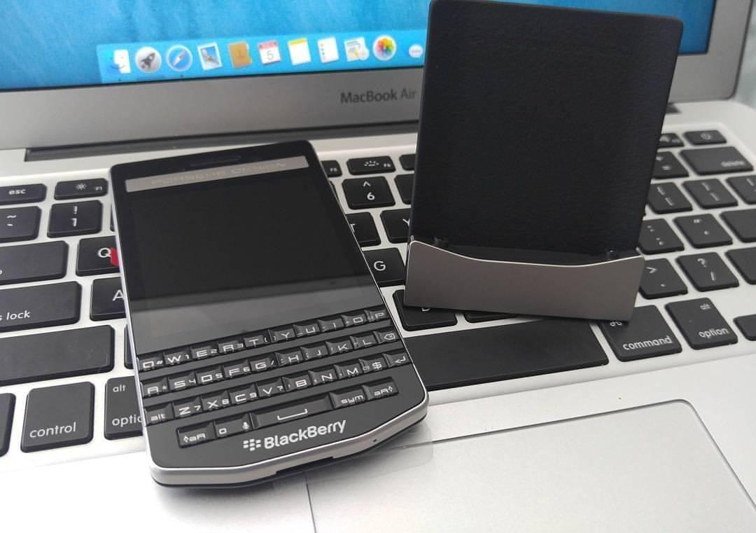 #inst10 #ReGram @confidencebusiness: Blackberry Porsche Design P9983 #blackberryporsche #blackberryporschedesign #P9983 @konguyen2107: #BlackBerry #Porsche P'9983 #BlackBerry #BlackBerryClubs #BBer #BlackBerryPhotos #BlackBerryP9983 #PorscheDesign #PorscheDesignP9983 #P9983