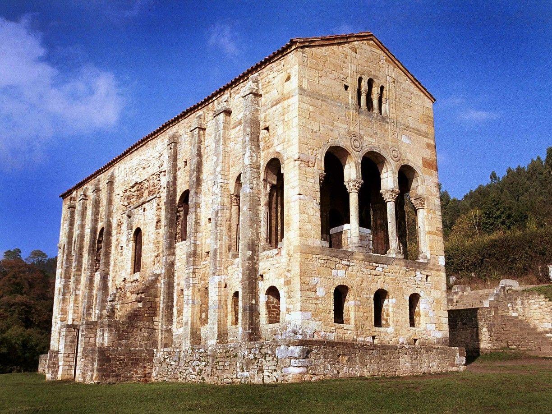 Asturias. Santa María del Naranco