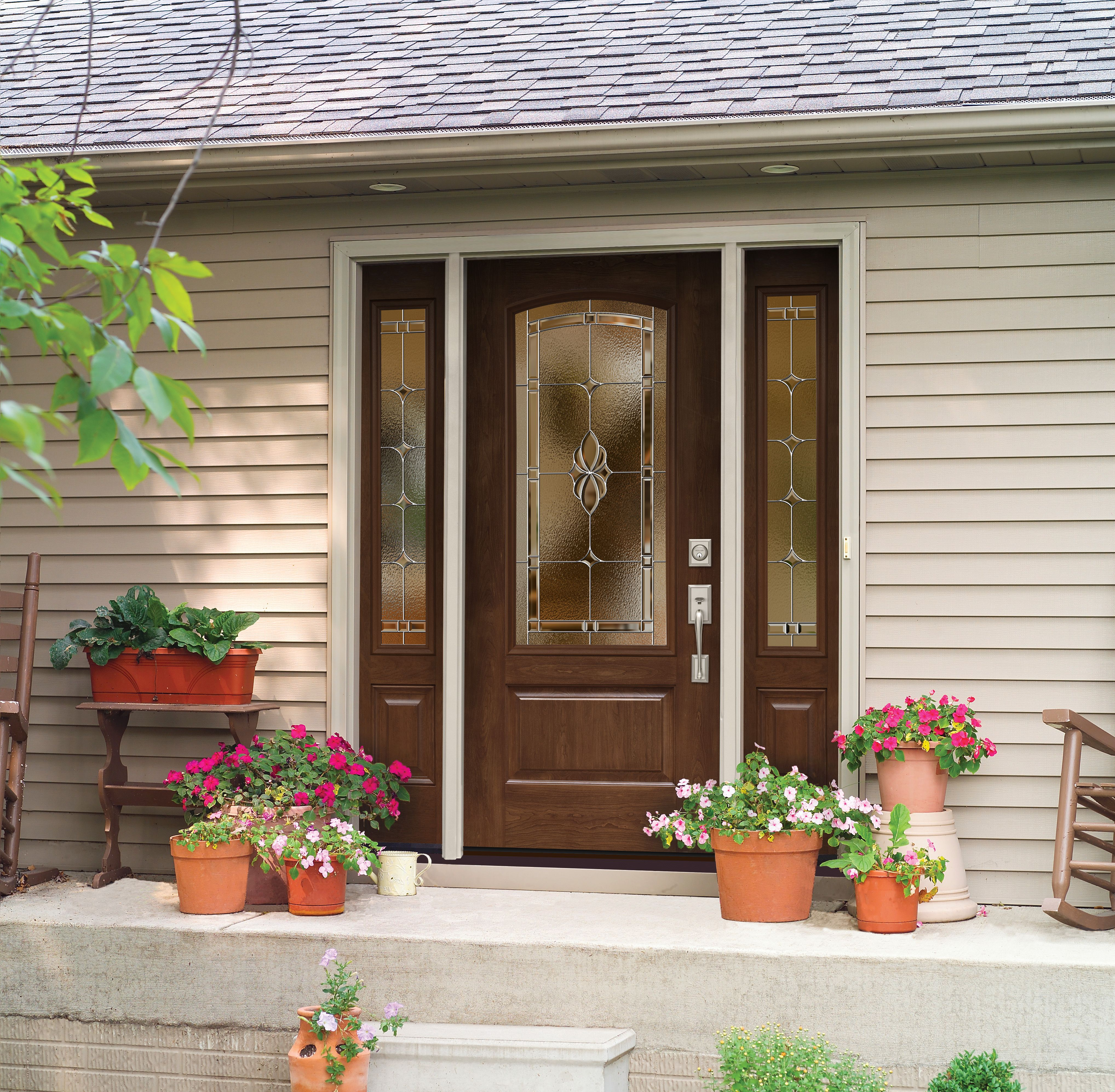 Solitaire decorative glass by ProVia is accented on this home by a beautiful Signet fiberglass door & Solitaire decorative glass by ProVia is accented on this home by a ... pezcame.com