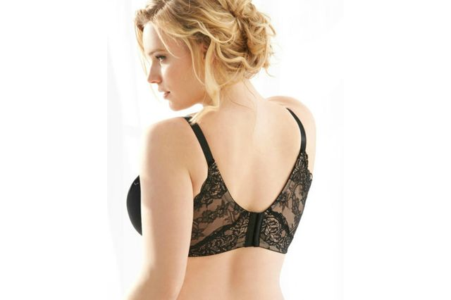 7e53f86eedf64 9 Smoothing Bras to Prevent Back Bulge