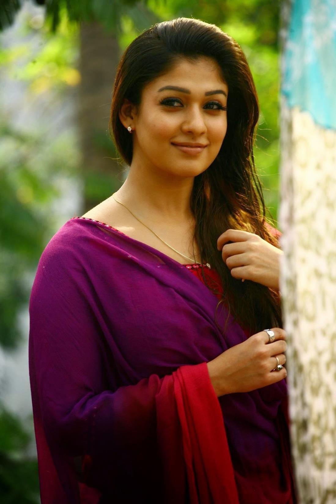 cool Malayalam Actress Nayantara New Pictures   Movie News ...