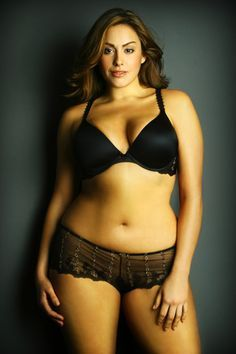 laura wells plus size model measurements - Cerca con Google