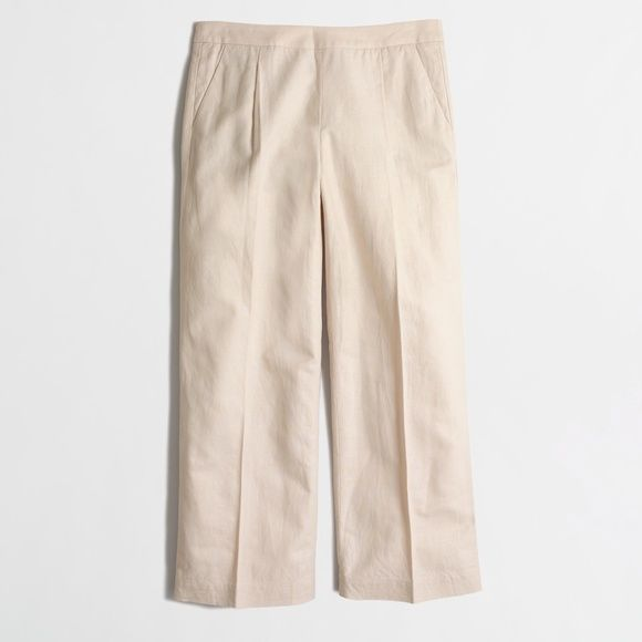 "Factory sand tan beige pants culottes trousers REASONABLE OFFERS THROUGH OFFER FEATURE ONLY. NO TRADES. These trendy culotte cut pants by J Crew Factory are simple, chic, and sophisticated at once. Pair them with strappy sandals and a crop top for the ultimate fashion girl look. Features include a straight leg, front slant pockets, and a back zipper. obg Size: 00. Approx measurements: 22.25"" inseam, 14.25"" flat low waist (recommended for 24/25 natural waist. Condition:  like new, worn once…"