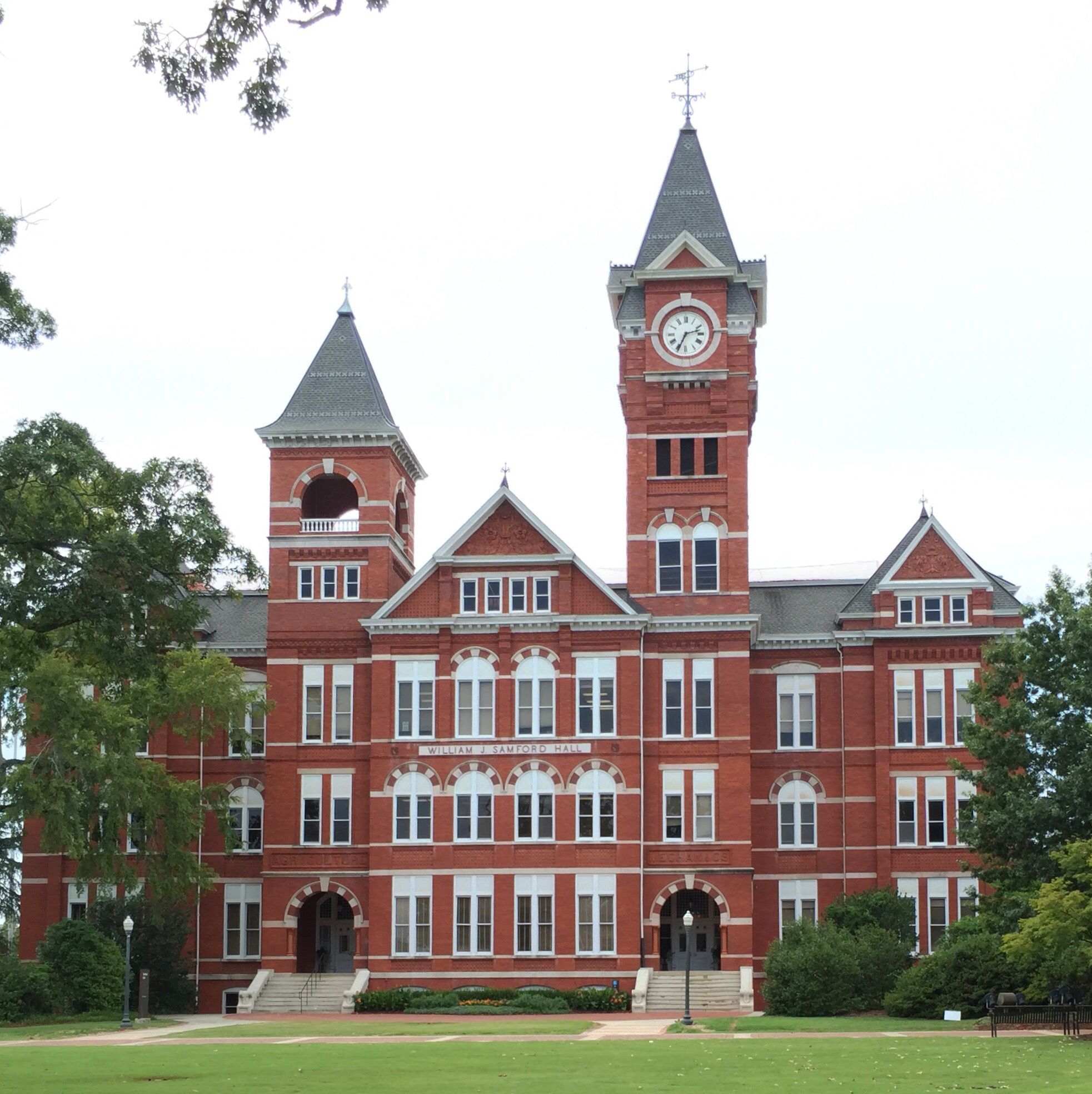 Samford Hall Auburn University The original building on this site was Old Main