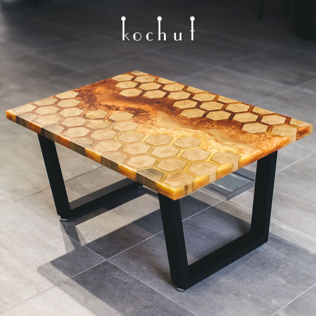 Coffee table oak epoxy resin polyurethane