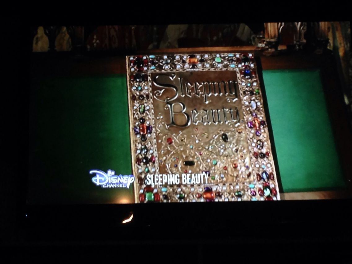 ANYONE ELSE WATCHING THIs?! IDC HOW OLD I AM THIS MOVIE IS AWESOME