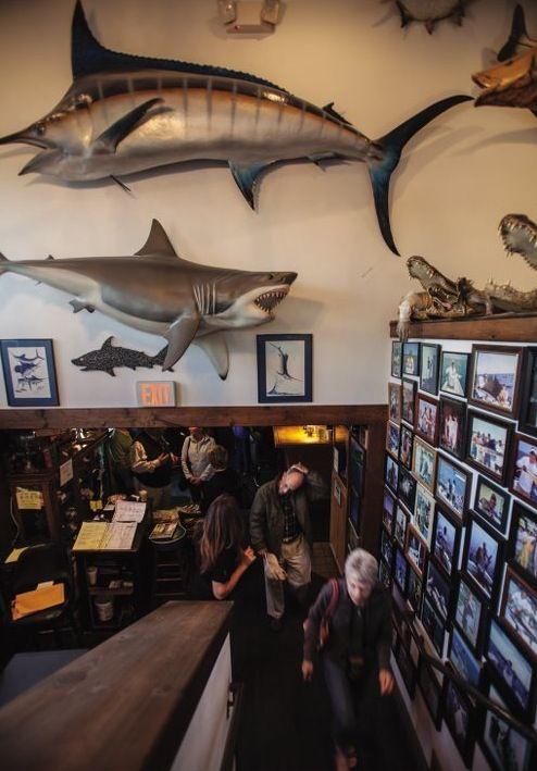Chuck S Seafood Restaurant Waterfront Dining Jupiter Magazine April 2017 Www Jupitermag