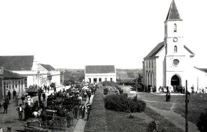 PRAÇA VICENTE MACHADO, 1936  foto: Arquivo Histórico Municipal