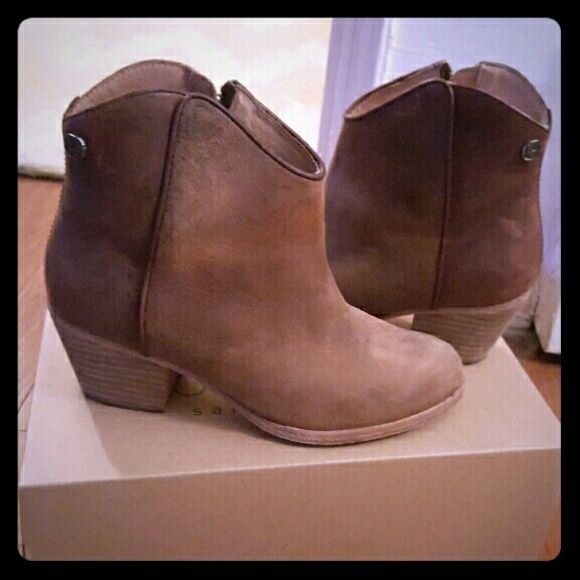 80d111ef1d3 koolaburra notela leather ankle boots booties santa barbara cali ...