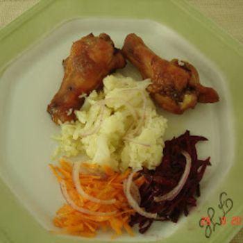 Coxinha de frango assada no forno com molho de laranja