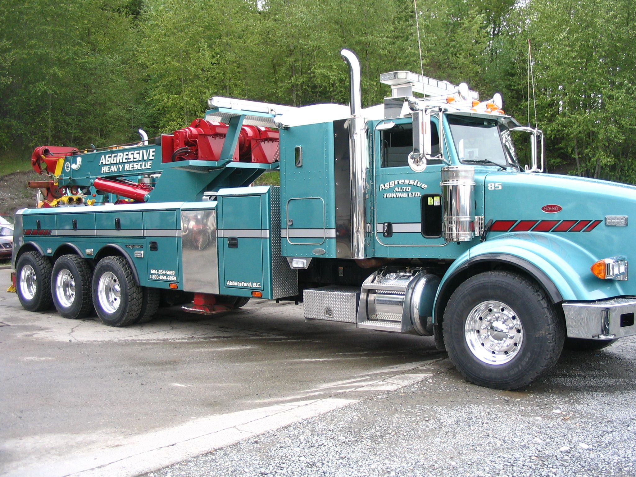 Jamie davis trucks new show highway thru hell features jamie davis heavy rescue towing pinterest tow truck biggest truck and rigs