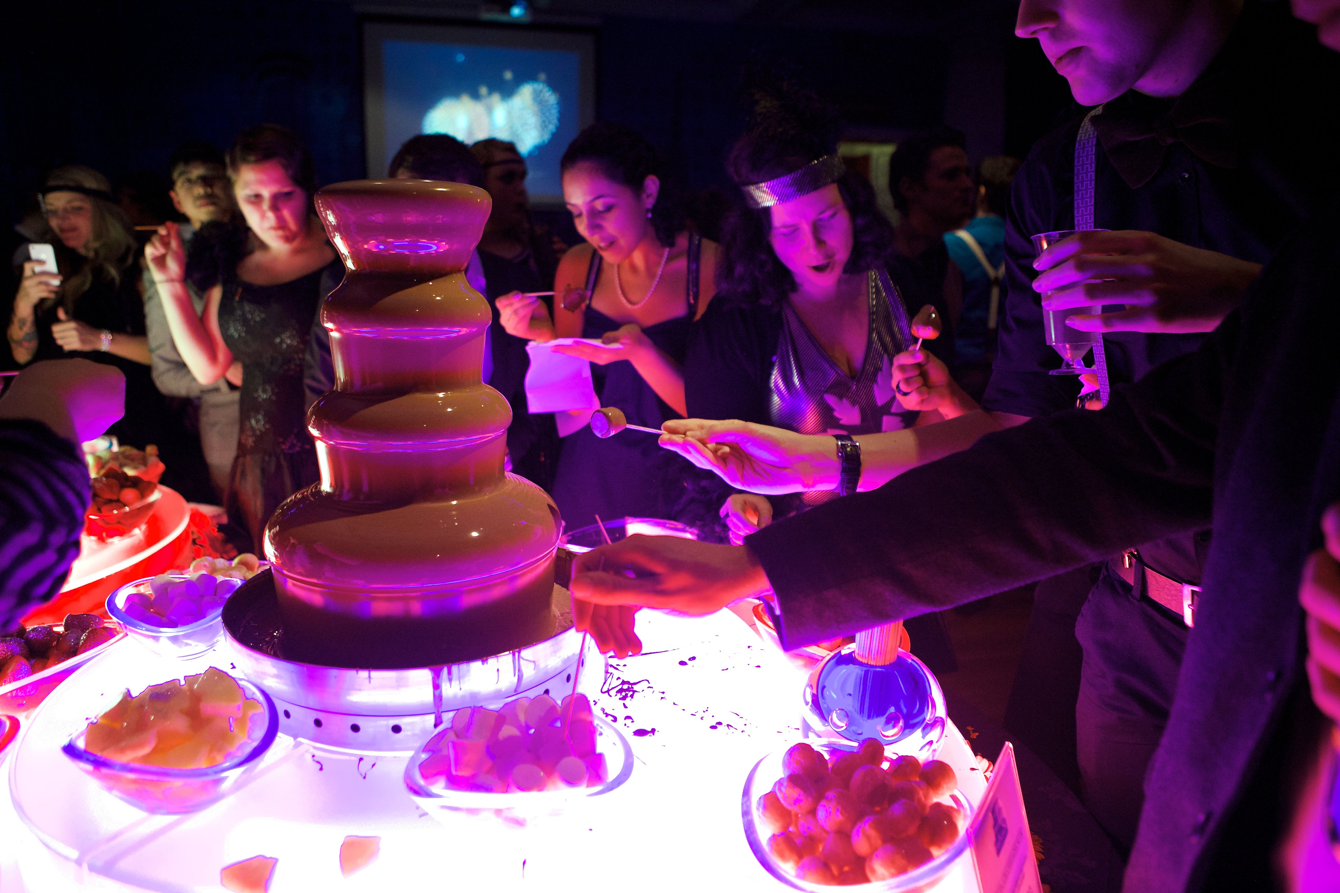 lit up table party ideas pinterest madame tussauds and gatsby