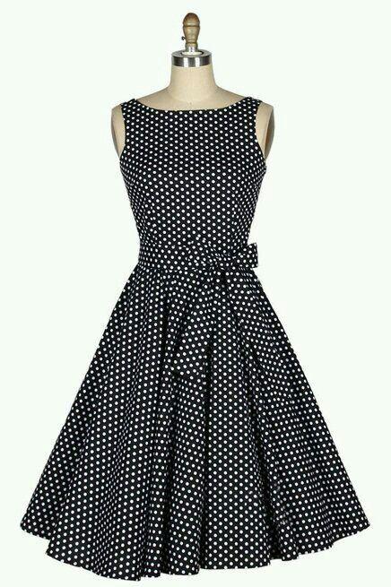 Vestido negro con puntos blancos