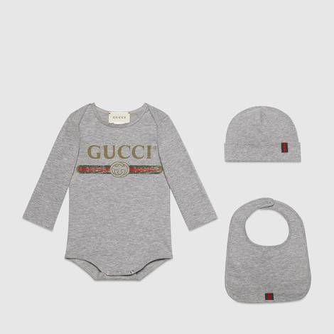 7352ece1eb51 Baby Gucci logo cotton gift set