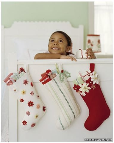 Google Image Result for http://www.msmagpiedesigns.com/wp-content/uploads/2011/11/Christmas-DIY.jpg