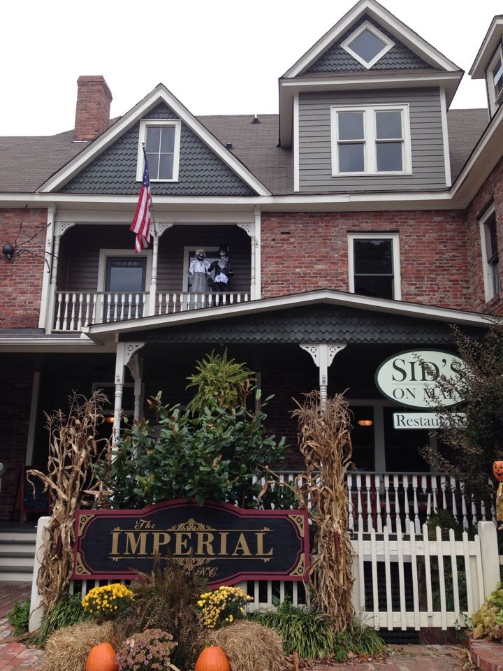 Located In The Historic Imperial Hotel On Main Street Canton Nc Advertised 1916 As One Of State S Best Two Dollar Hotels This Downtown Inn