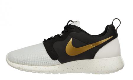 c71f694e9d3e Nike Roshe Run Gold Trophy Pack